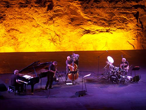 Picture of jazz quartet playing live